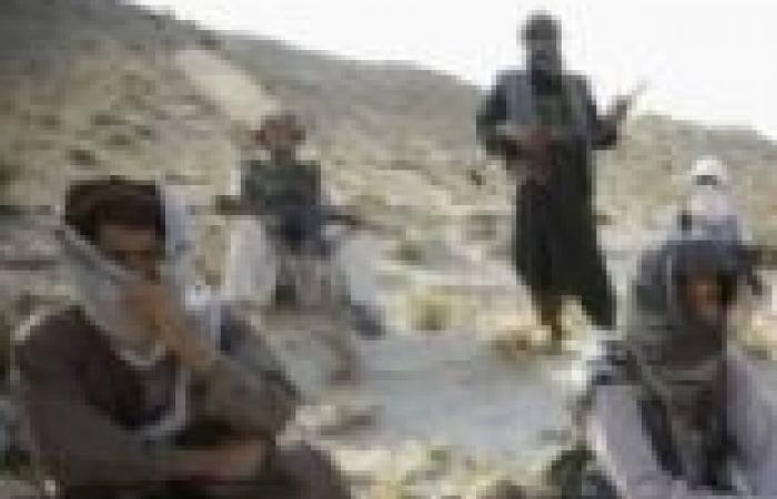 سبعة قتلى في اعتداء انتحاري استهدف مقاتلين مناهضين لطالبان بأفغانستان
