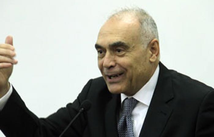 وزير الخارجية يبحث مع رئيس وزراء الأردن العلاقات بين البلدين