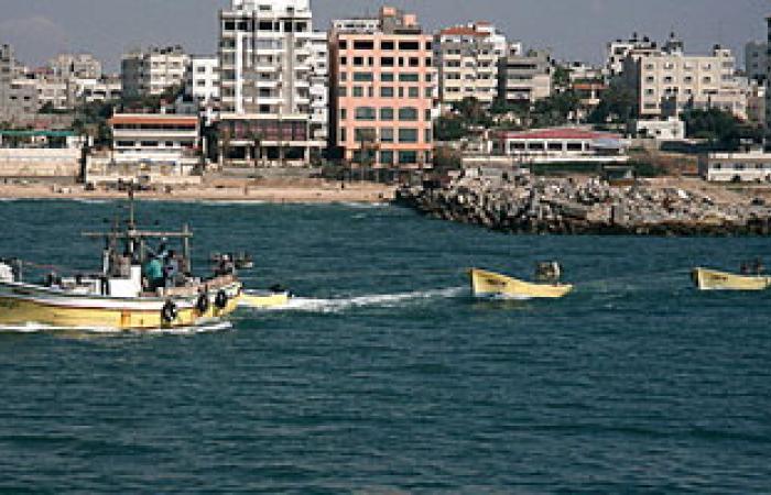 عودة مركب صيد احتجز لشهرين بالسعودية إلى لميناء الأتكة بالسويس