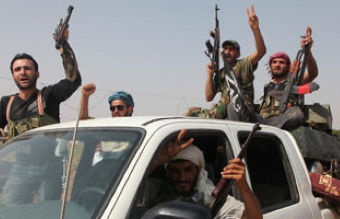بالفيديو.. قناص الجيش السورى الحر يتوعد حسن نصر الله