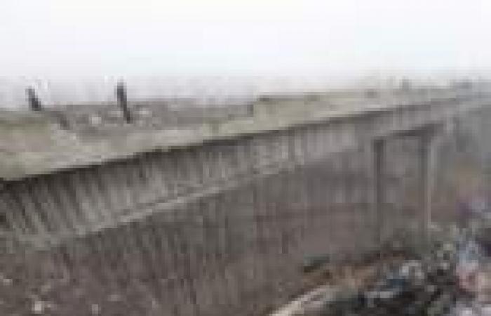 تصادم شاحنة تسبب في انهيار جسر بواشنطن