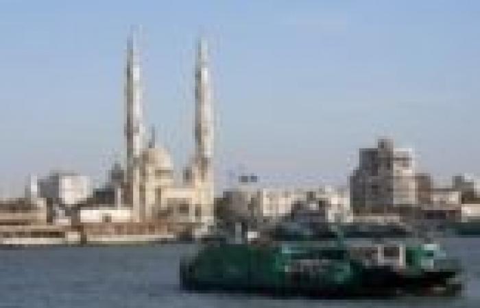 أكبر سفينة حاويات تصل ميناء شرق بورسعيد