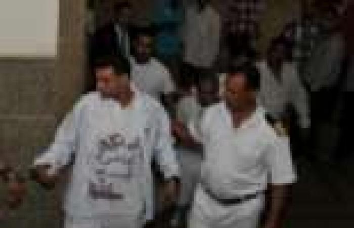"""أصدقاء """"حمادة المصري"""" ينظمون مسيرة احتفالا بإخلاء سبيله"""