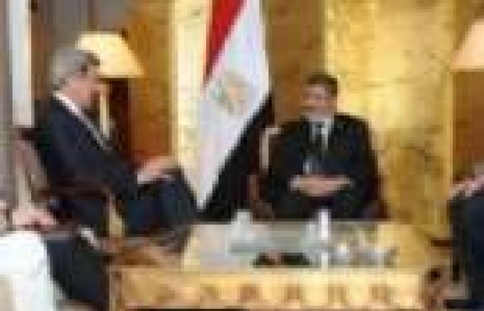 «كيرى» مهدداً «مرسى»: الإصلاح الاقتصادى قبل المساعدات الأمريكية