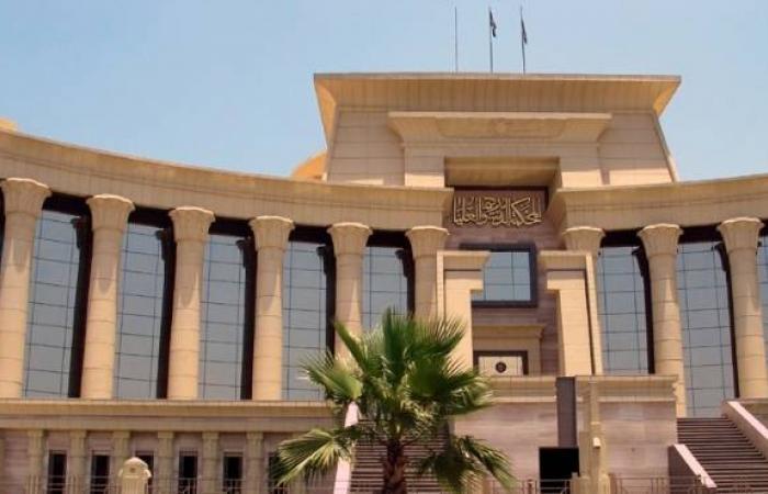 قرار «الدستورية» يشعل حرباً «إٍسلامية - مدنية» فى البرلمان