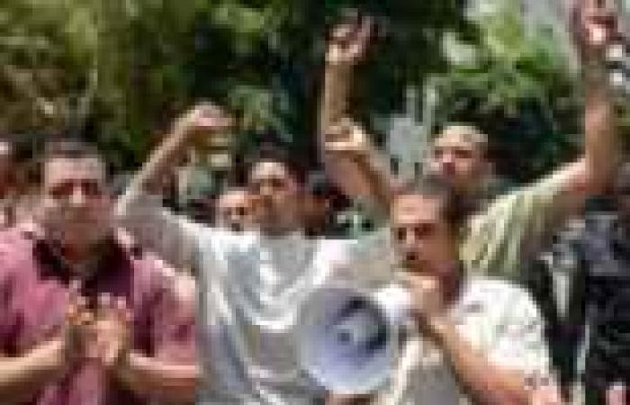 """وقفة احتجاجية لعمال """"الآثار الإسلامية"""" بـ""""الوادي الجديد"""" لصرف رواتبهم المتأخرة"""