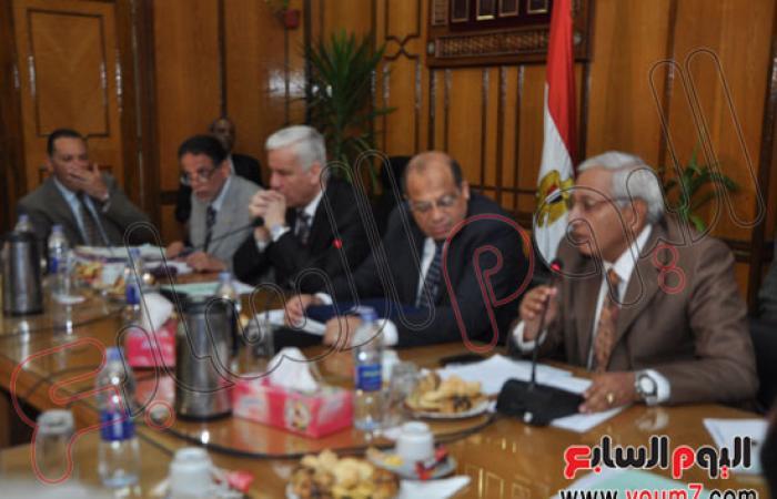 إمبابى: مشروع تنمية محور قناة السويس لصالح مصر