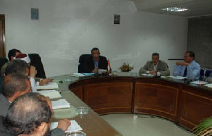محافظ سوهاج يجتمع بالمجلس الاستشارى بالمحافظة لمناقشة عدد من القضايا