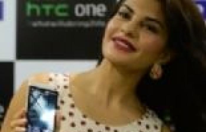 """ملكة جمال العالم 2006 تعلن عن الهاتف الجديد لـ""""HTC"""""""