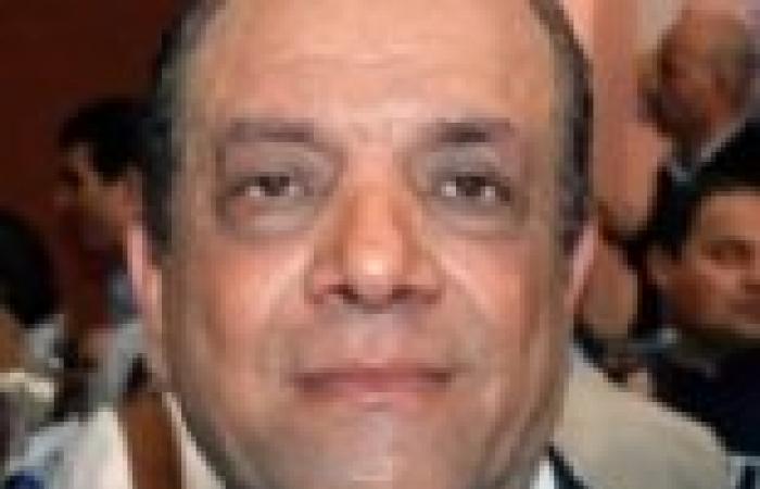 شكرى أبوعميرة يطلب إنهاء مشكلة مذيعة الفضائية المصرية المعتصمة