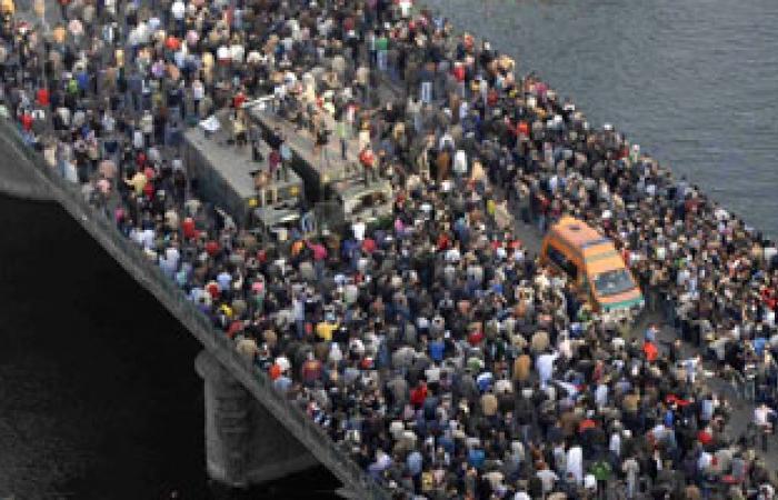 """أسر شهداء السويس: """"البراءات الجماعية"""" دليل على تفريط مرسى فى القصاص"""