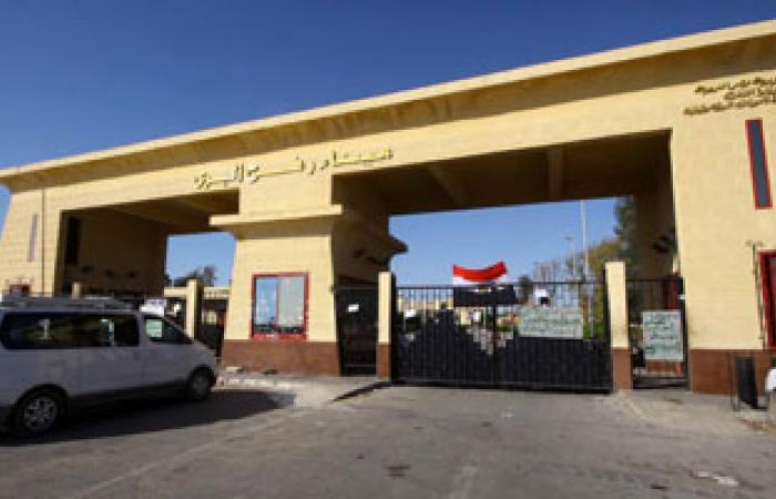 إدخال 14 شاحنة مواد بناء إلى قطاع غزة