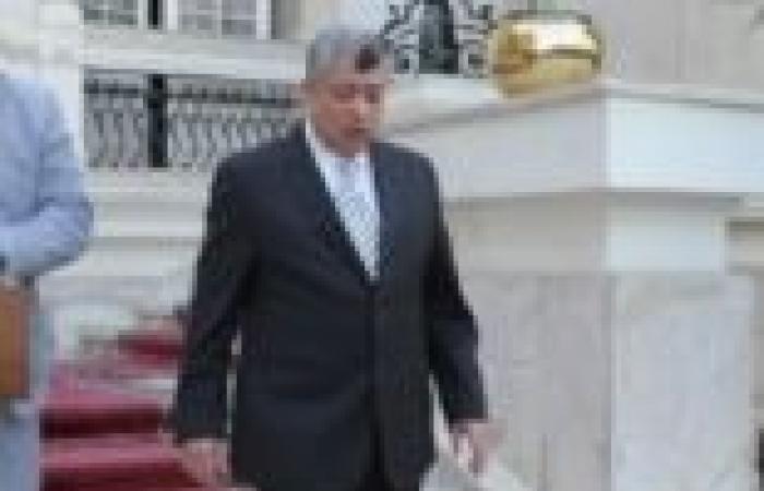 وزير الداخلية يقوم بزيارة مفاجئة لعدد من أقسام الشرطة بالقاهرة والجيزة