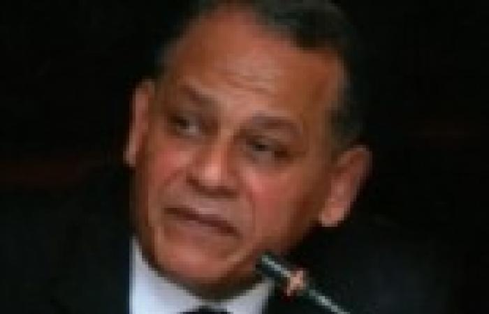 السادات يطالب بوقف الهجمة الممنهجة التي يقودها وزيرالثقافة على قيادات ومؤسسات الوزارة