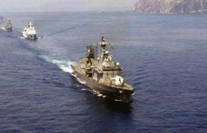 الجيش اللبنانى يتسلم 4 آليات هندسية و4 زوارق حربية أمريكية