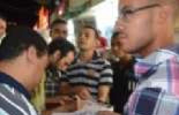 """""""تمرد"""": """"الإخون"""" تعتدي على أعضاء الحملة في مدينة نصر.. وتمزق استمارات سحب الثقة"""