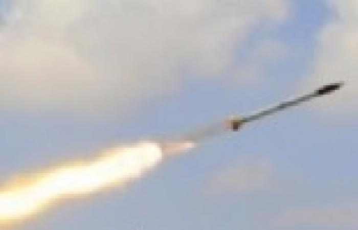 سقوط 3 قذائف صاروخية مجهولة المصدر قرب مقر أمني بلبنان