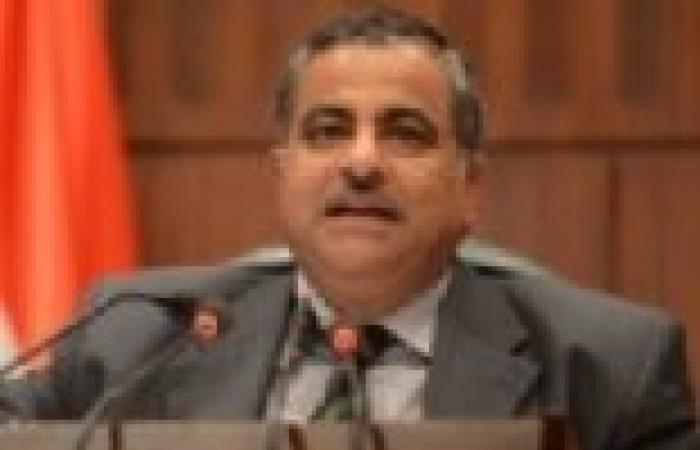 """""""فهمي"""" يعود من البحرين بعد مشاركته في مؤتمر رابطة مجالس الشيوخ والشورى"""