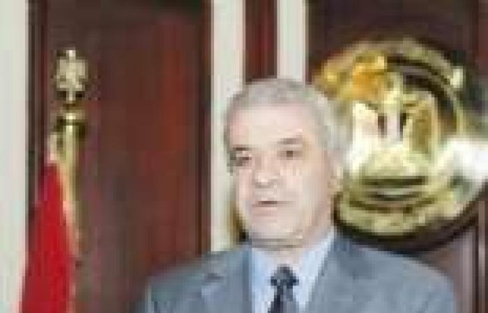 تصاعد أزمة الكهرباء.. وتهديدات بوقف ربط إنارة المساجد بالأعمدة لإجبارها على «الترشيد»