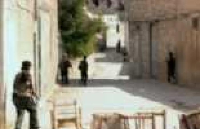 طبيب عائد من الداخل: مناطق في سوريا تعرضت إلى 34 ضربة كيماوية على يد النظام