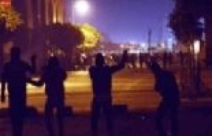 عودة حركة المرور إلى كورنيش النيل بعد تفريق المتظاهرين