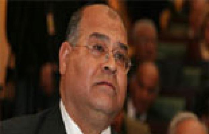 """مشادة بين """"الببلاوي"""" و""""الشهابي"""" في مجلس الشورى بسبب مكافآت النواب"""