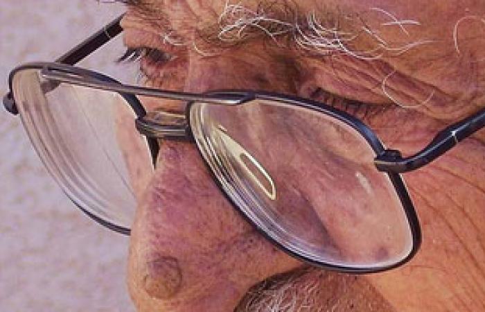 نصائح لتحسين الإبصار عند كبار السن