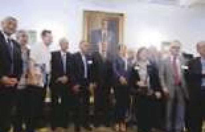 أعضاء المؤتمر القومى العربى يزورون ضريح «عبدالناصر».. و«حماس» تنسحب