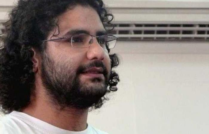 """علاء عبدالفتاح: """"ملعون أبو الجبن.. جاي تحل التأسيسية بعد الدستور ما اتعمل واستفتينا عليه"""""""