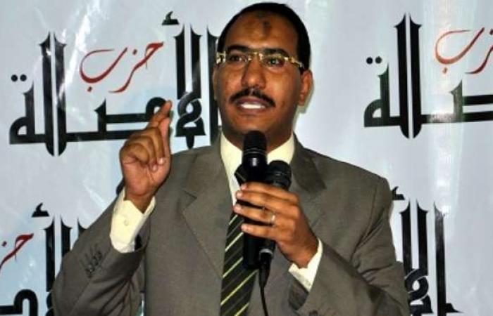 قيادي إخواني: حكم الدستورية يعني ضمنيا الاعتراف بالدستور الجديد