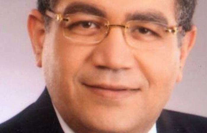 عبدالله كمال: الأحكام الصادرة عن الدستورية اليوم أحدثت أثرًا سياسيًا فادحًا في بنية النظام