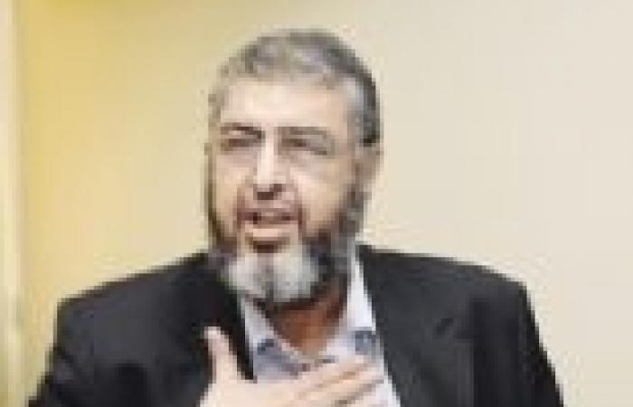 """نجل الشاطر يبدي استياءه من انقطاع الكهرباء.. ونشطاء: """"وقع على استمارة تمرد"""""""
