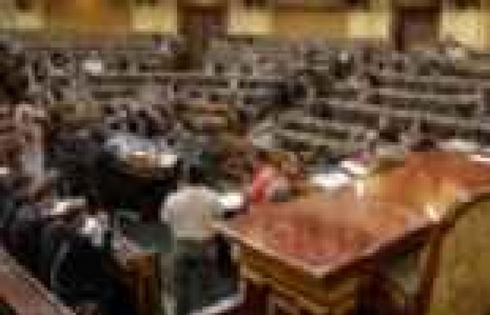 الأمن القومى بالشورى تناقش استبعاد بعض المدنيين بوزارة الدفاع بسبب انتماءهم السياسى