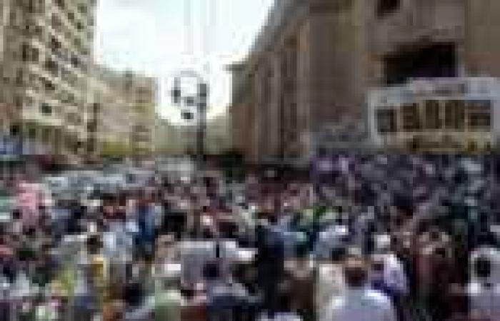 """وقفة للقوى السياسية أمام """"القضاء العالي"""" تضامنا مع اعتصام القضاة"""