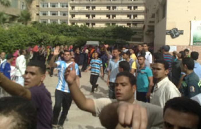 تظاهر طلاب المدينة الجامعية بالمنصورة بسبب الانقطاع المتكرر للكهرباء
