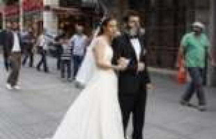حفل زفاف وسط مظاهرات تركيا