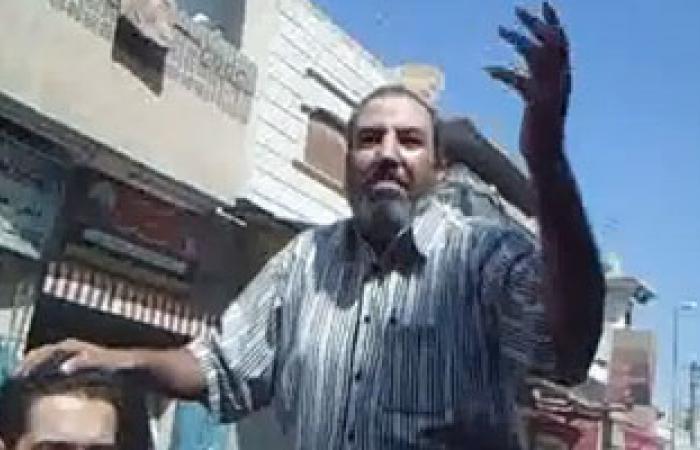 """الحرية والعدالة بسوهاج يجرى عمليات """"ترقيع"""" الأذن بالمجان"""