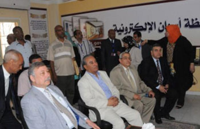وزير التنمية الإدارية يُدشن البوابة الإلكترونية لمحافظة أسوان