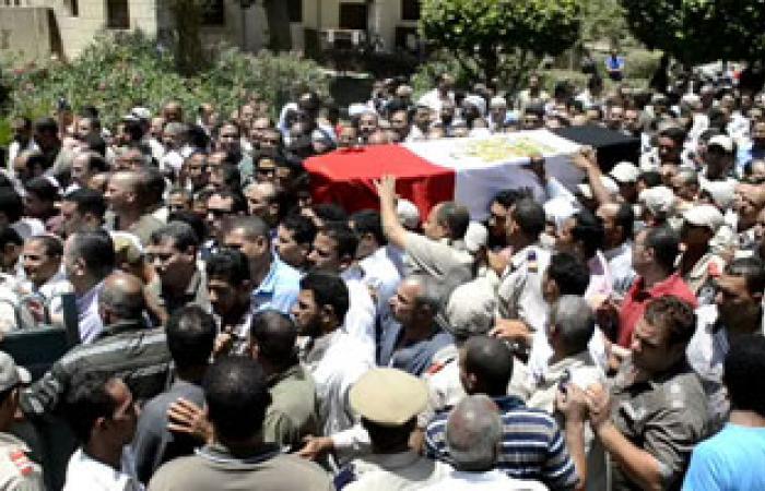 """""""يا نجيب حقهم يا نموت زيهم"""" هتاف المشاركين فى تشييع جنازة شهداء الشرطة بالفيوم"""