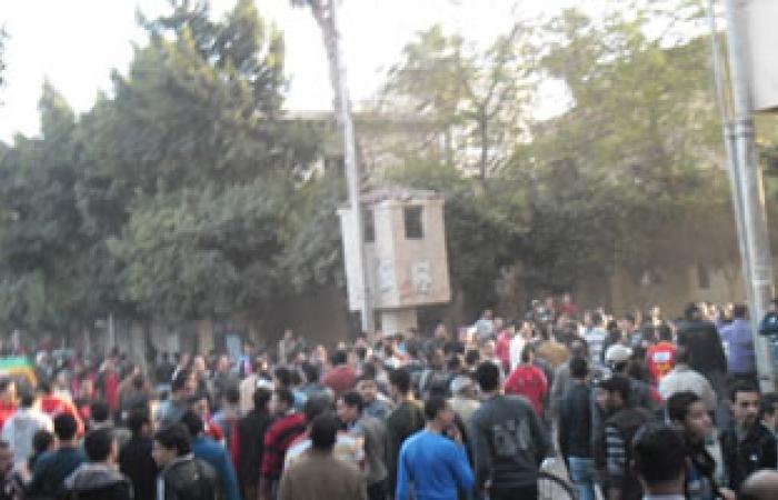 أهالى ميت خميس بالمنصورة يتظاهرون أمام مديرية الأمن لانتشار المخدرات
