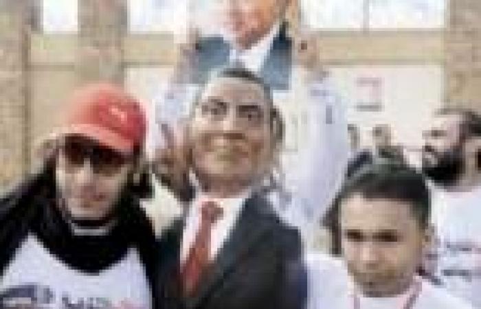 بدء توافد أنصار مبارك إلى محيط أكاديمية الشرطة