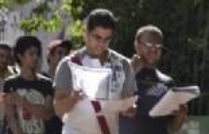 شكاوى طلاب الثانوية العامة بالسويس من صعوبة امتحان اللغة العربية
