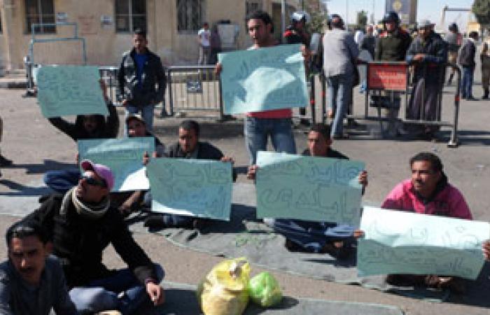 استمرار اعتصام ترسانة بور توفيق.. ومفاوضات لإنهاء الأزمة