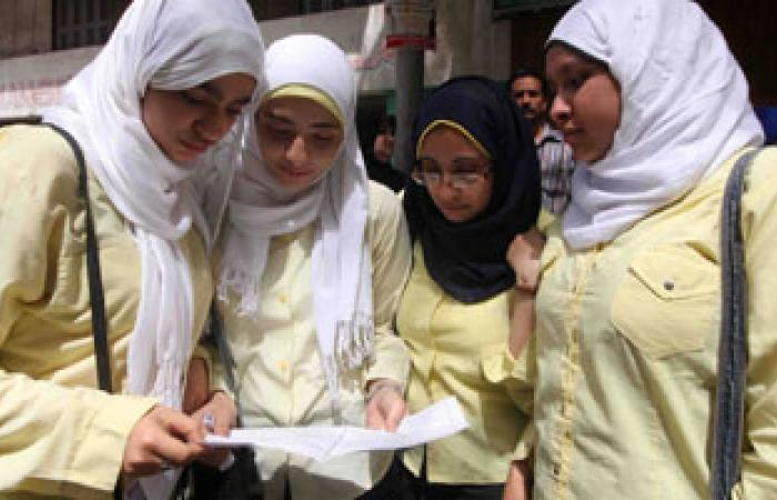 طلاب كفر الشيخ: أسئلة اللغة العربية سهلة والشكوى من الأدب فقط