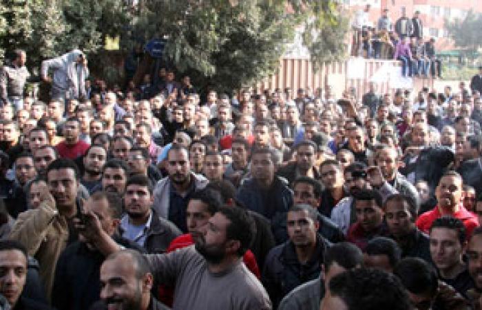 """العاملون بشركة """"أليكو إيجيبت"""" بالسويس يواصلون إضرابهم عن العمل"""