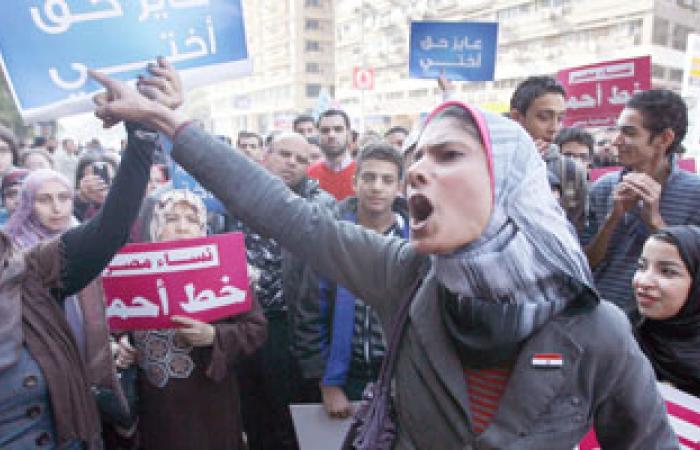"""""""نساء بلا حدود"""" لمرسى: احذر ستات مصر لأننا سنملأ الميادين"""