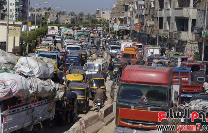 بالصور.. قوص مدينة تعانى الفوضى والاختناقات المرورية بقنا
