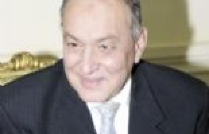 """أنباء عن فض اعتصام """"مصر للطيران"""" خلال ساعات بعد لقاء """"المعداوي"""""""