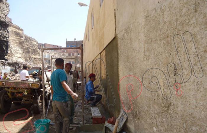 بالصور.. حى دار السلام: تشغيل خط الصرف الصحى بمنطقة حدائق المعادى