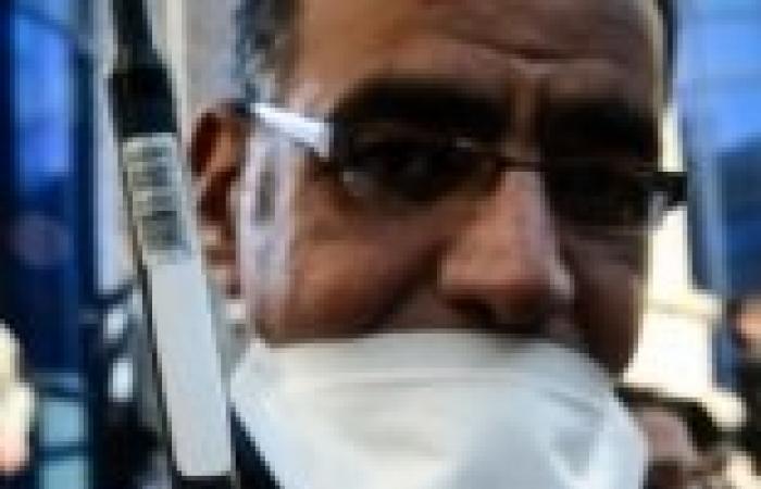 """وقفة صامته أمام """"الاتحادية"""" للمطالبة بالقصاص للشهداء"""